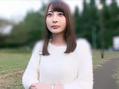 長崎からやってきた19歳の現役JDがカメラの前で初めてのH!
